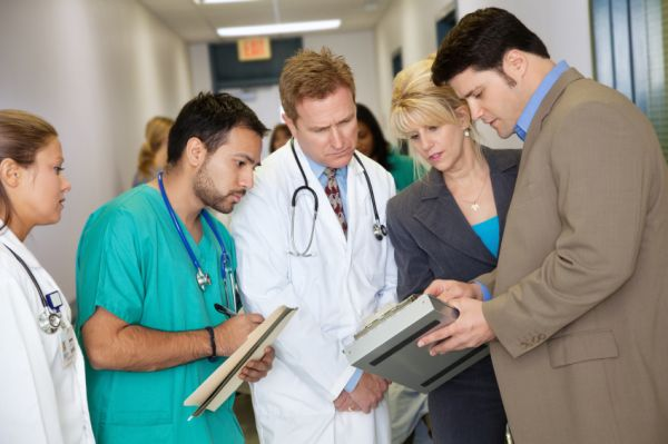 the factors that increase patient s satisfaction Background and goal of study: in today's world, the healthcare services are  adopting new policies that target providing services for a greater number of  patients.