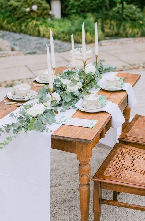 Tischdekoration grün #greenery #eukalyptus Hochzeitstrend 2017: Urban Jungle und Go Local | Hochzeitsblog The Little Wedding Corner
