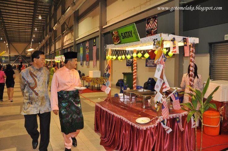 Melaka Bandaraya Warisan Dunia   http://gotomelaka.blogspot.com  Melaka World Heritage City UNESCO  Melaka Bandaraya Bersejarah  Melaka, Malaysia  Raya. Rumah Terbuka Aidilfitri Melaka. Majlis Rumah Terbuka Aidilfitri