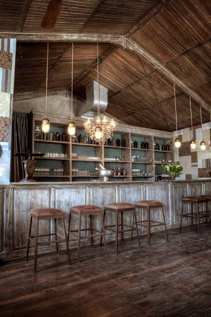 Arredamento Industriale Vintage Roma : Lighting over bar commercial ...