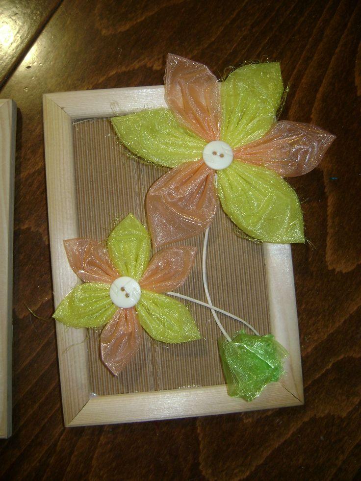 Obrázek z květin z organzy
