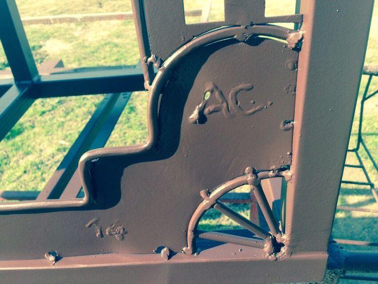 Arte y dise o en metal detalles decorativos en soportes o - Peceras de diseno ...