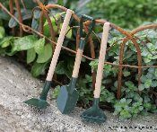Garden miniatures! For the fairies, of course =)