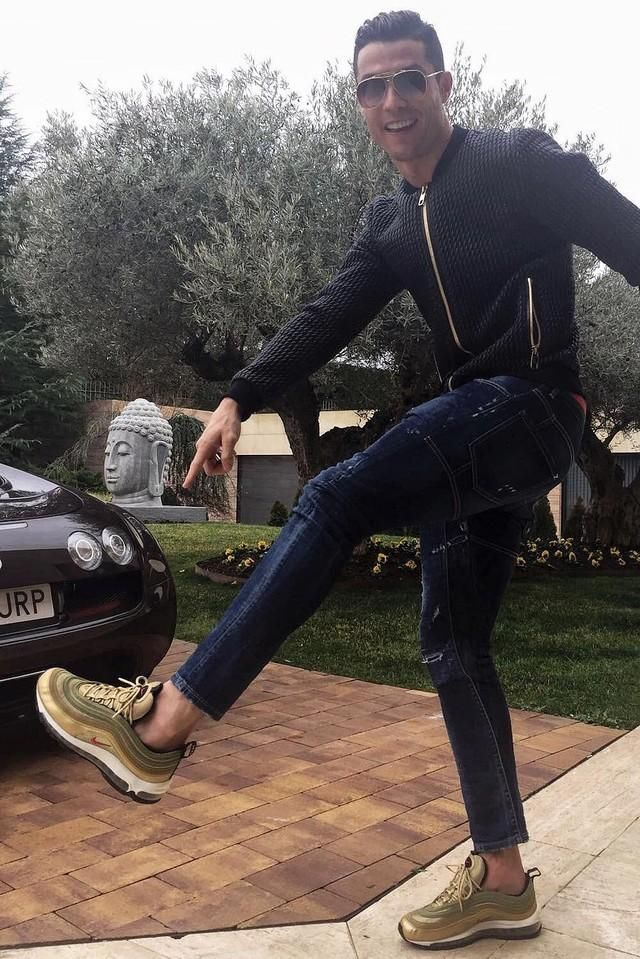 Cristiano Ronaldo Steps Out In Dolce & Gabbana Jacket, Jeans And Nike  Sneakers