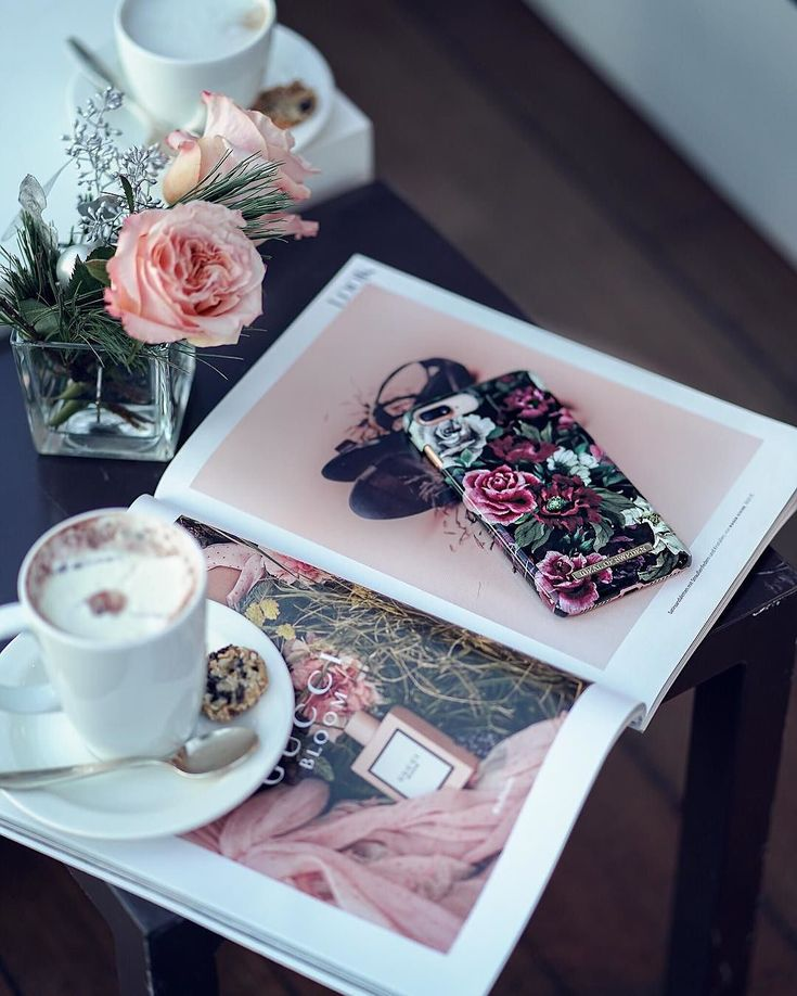 Antique Roses by lovely @therubinrose #idealofsweden #antiqueroses #roses #phonecase #inspo #fashion #style #details #iphone