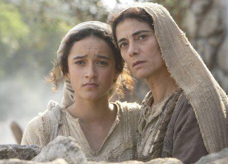 Hiam Abbass & Keisha Castle-Hughes/Mary The Nativity Story (2006)