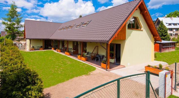 120zł Apartamenty Antonio zlokalizowane są w Kudowie-Zdroju i oferują zakwaterowanie z wyżywieniem we własnym zakresie oraz bezpłatny bezprzewodowy dostęp do...