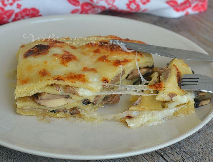 Lasagne di patate con funghi e mozzarella, un primo piatto buono e semplice, con profumi autunnali, un modo per preparare le lasagne sostanzioso e gustoso,