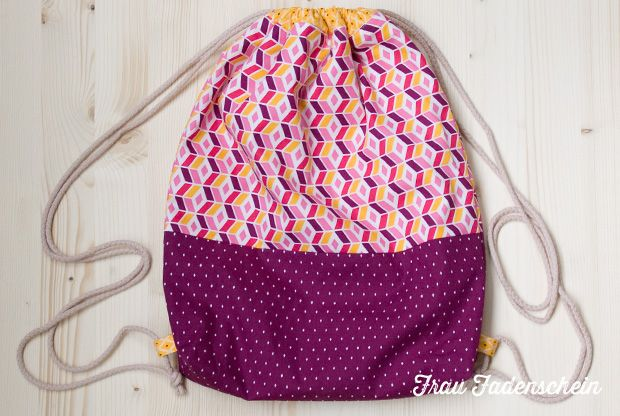 Schnittmuster / Anleitung / Tutorial / freebie für einen Turnbeutel / Beutel / einfachen Rucksack / Turnbüddel / Tasche kostenlos   Pattern Freebook for sewing a simple drawstring backpack / pouch / sac (in German) / knapsack
