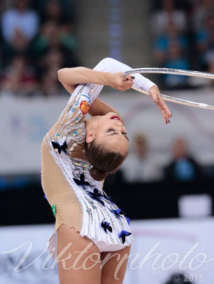 Margarita Mamun (Russia) won 2 gold, 3 silver medals at RG World Championships (Stuttgart, Germany) 2015