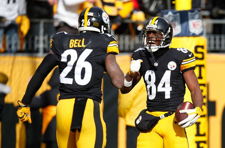 93987663 The Steelers on Monday made Antonio Brown the highest-paid wide receiver in NFL history just hours after making Le'Veon Bell their highest-paid running back ever.