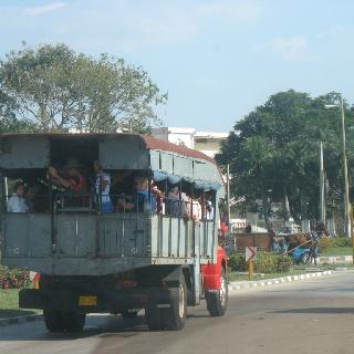 Local bus cuba