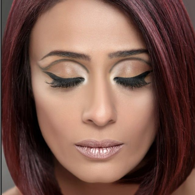 The ROMANCE of the beautiful and liberating 60's in this makeup on the iconic dream girl #ACHINT KAUR!