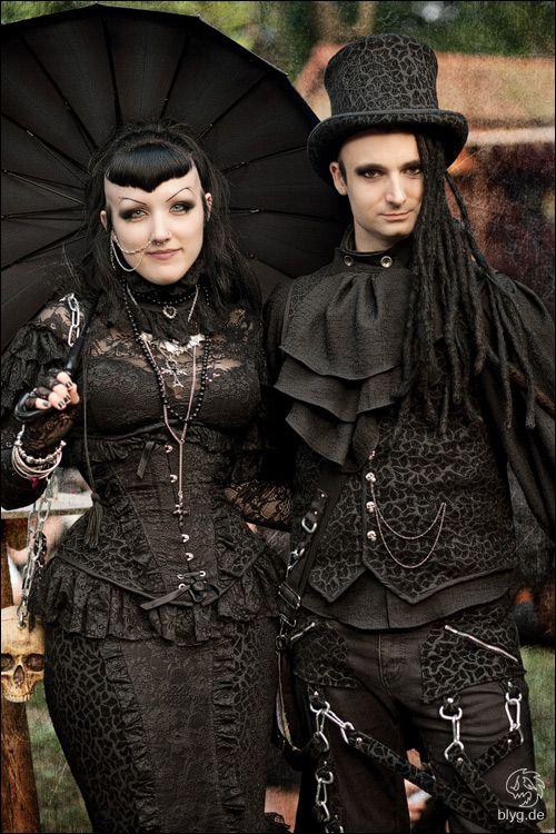 #Gothic Couple ❤️♠️ #VictorianGoth The Dark Side Fashion ♠️