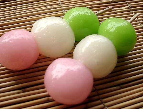 Dango They look so delicious. :P