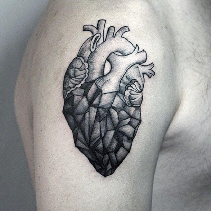 Les 25 meilleures id es de la cat gorie tatouages de coeur - Tatouage couple discret ...