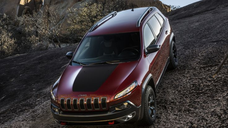 Jeep recalls 228k Cherokees over airbag deployment fears