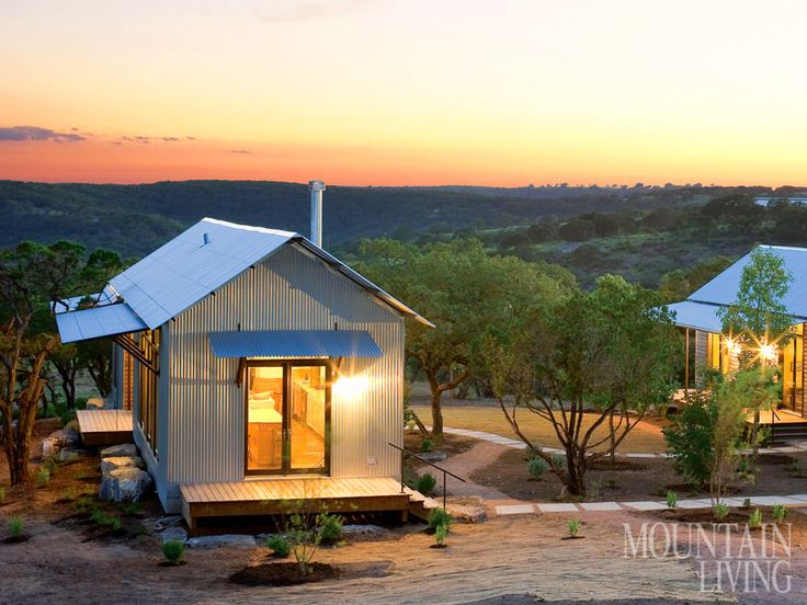 Texas hill country prefab house green design corrugated for Texas hill country cabin builders