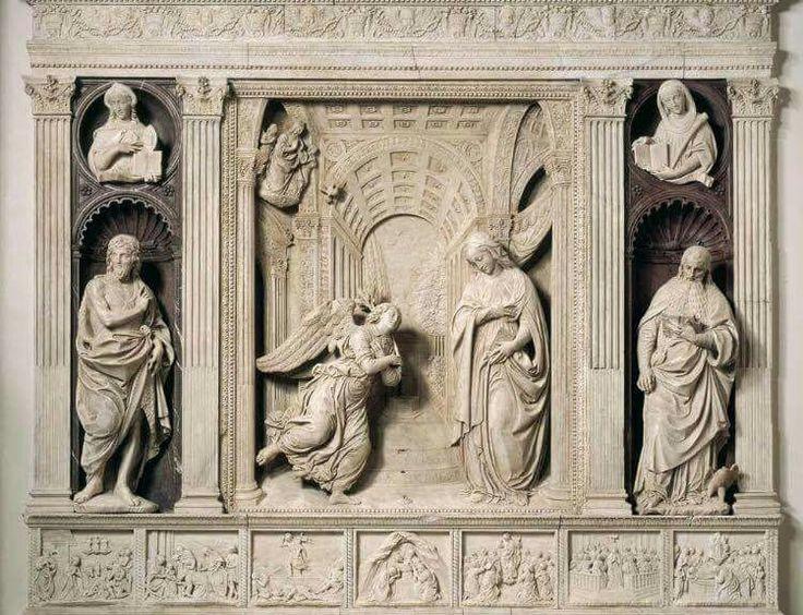 Chiesa di Sant'Anna dei Lombardi a Napoli altare dell'Annunciazione