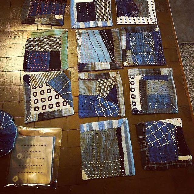 A set of boro coasters or snack mats made by Michiko Oba of Fukuoka, Japan. Her trademark is hananiwa.sashiko and he blogs at obamychiko.blog109.fc2.com