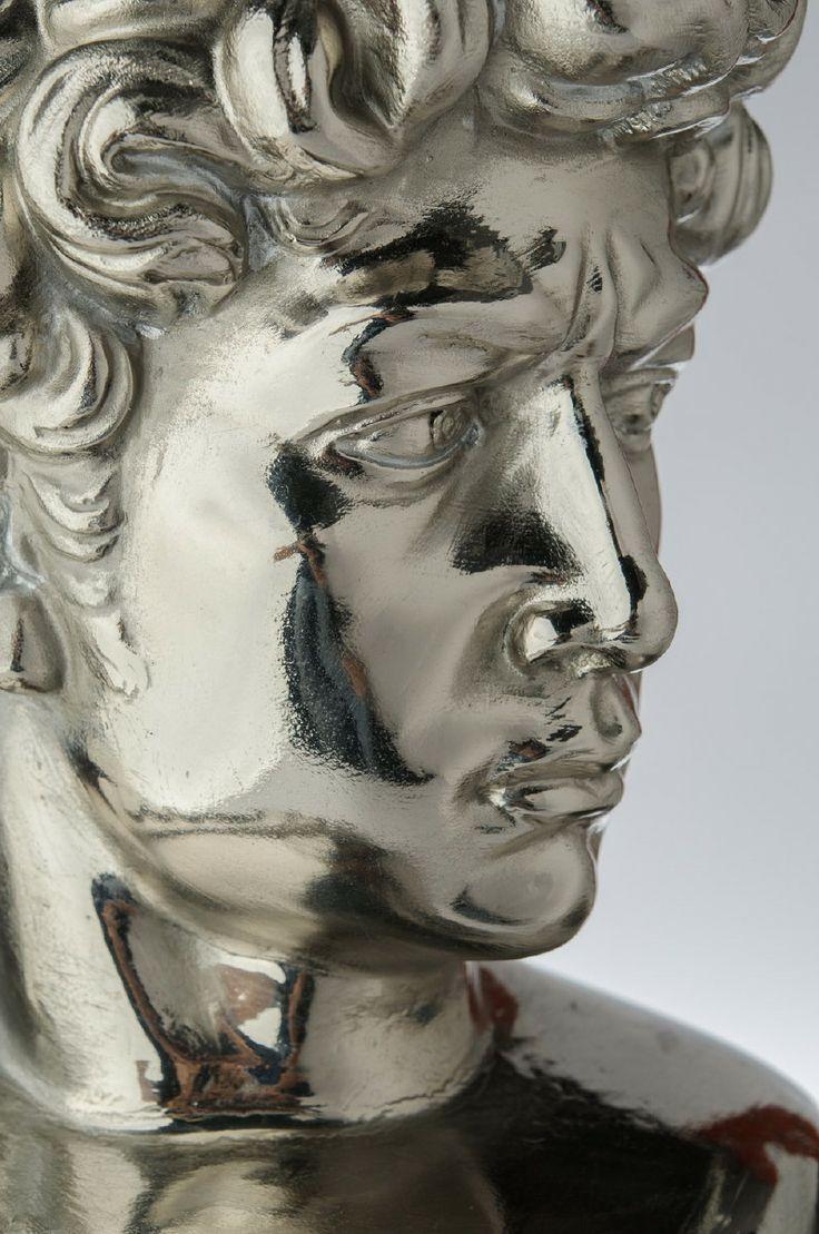 Francesco De Molfetta (2011) MICHEL-Angelo Painted fiberglass Cm 80 x 50 x 40 Ed. 5 + PA Courtesy Glenda Cinquegrana: The Studio