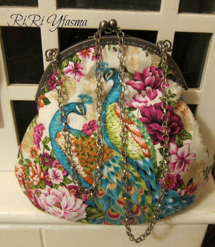 Τσάντα με μεταλλικό στρογγυλό πλαίσιο - RiRi Yfasma (RiRiYfasma.gr)