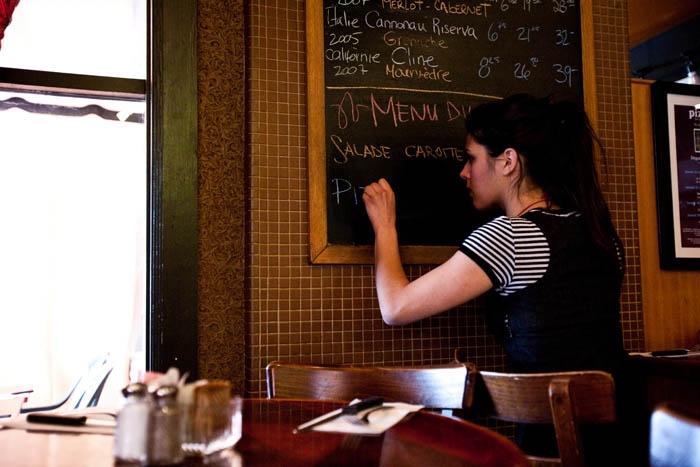 Resto Hull- Restaurant Gatineau- Pizza Hull- Restaurant Ottawa- Bar à vin- Salon privé- Resto Italien- Restaurant Italien- Vignoble Québec- Vin Québec- Bistro Québec- Resto bar Gatineau