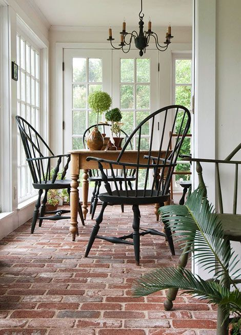Sunroom with brick floor sunrooms screened in porches for Sunroom tile floor ideas