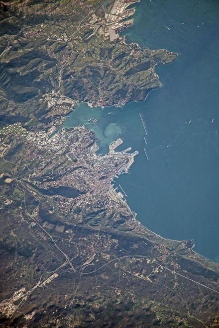 Un'immagine proveniente dallo spazio. La spettacolare foto scattata dalla sonda ISS  ritrae la città di Trieste e il golfo