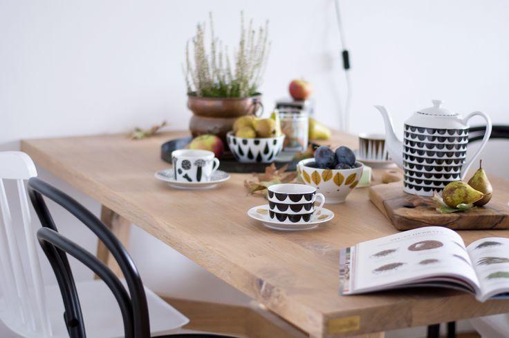 Table decoration #dinningroom #dinningtable #woodentable #table #oakwood #wood #decor #homedecor #autumn