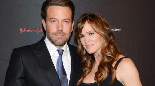 Ben Affleck and Jennifer Garner divorce news: Ben's mom... #BenAffleck: Ben Affleck and Jennifer Garner divorce news: Ben's… #BenAffleck