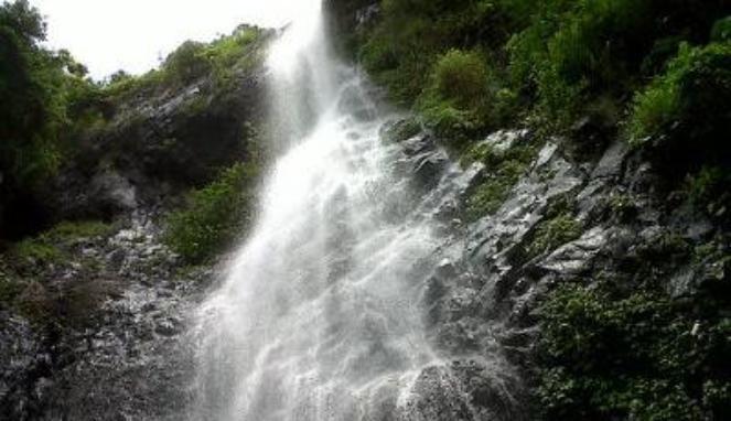 tempat wisata air terjun silangit di purworejo adalah sebuah tempat wisata alam yang masih sangat alami dan indah.untuk selengkapnya disini...