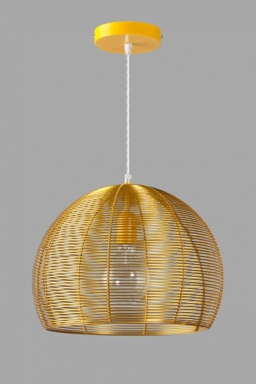 Goud kleurige Filo bol hanglamp / Gold colored Filo hanging lamp. Warm and fun <3