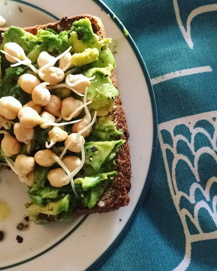BREAKFAST  Seed loaf avo sprouted chickpeas.  #fresh #breakfast #avocadotoast #chickpeas #vegan