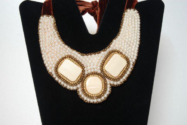 DSC_0037.jpg (640×428)Bead embroidery necklace made by my design. Donatella Vassallo creation