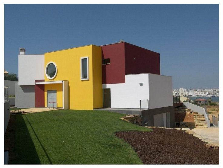 Frentes de colores fachadas pinterest minimalist for Casas con techo de teja