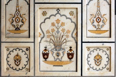 India, Agra: Taj Mahal; detail of the wall's decoration; symetrical colored stone mosaic