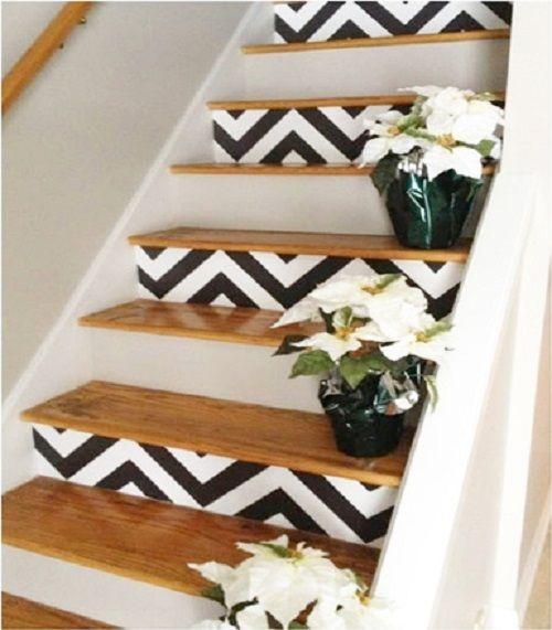 Essa dica é para quem tem escada dentro de casa e cansou de ver aquele carpete enorme – geralmente liso, sem textura - que passa por ela...