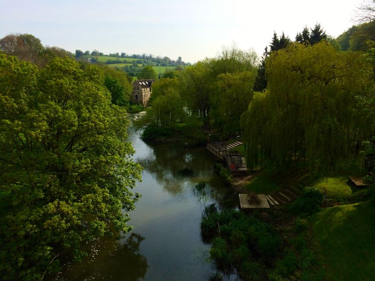 The view from the bridge between the Cross Gunns Pub and the Avoncliff station (3 minutes walk apart).