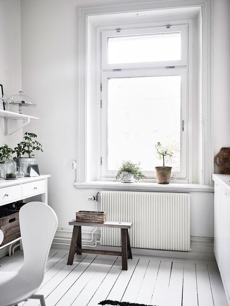 Housing Court, Erik Dahlbergsgatan 26 in Gothenburg - Entrance Real Estate Brokerage