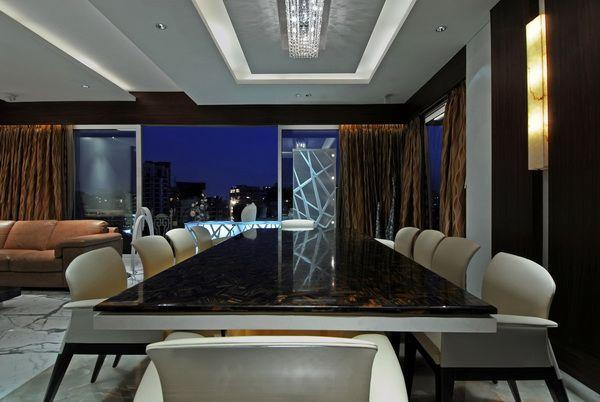 A Luxurious Executive Home above Mumbai: Mohanani Residence, ZZ Architects