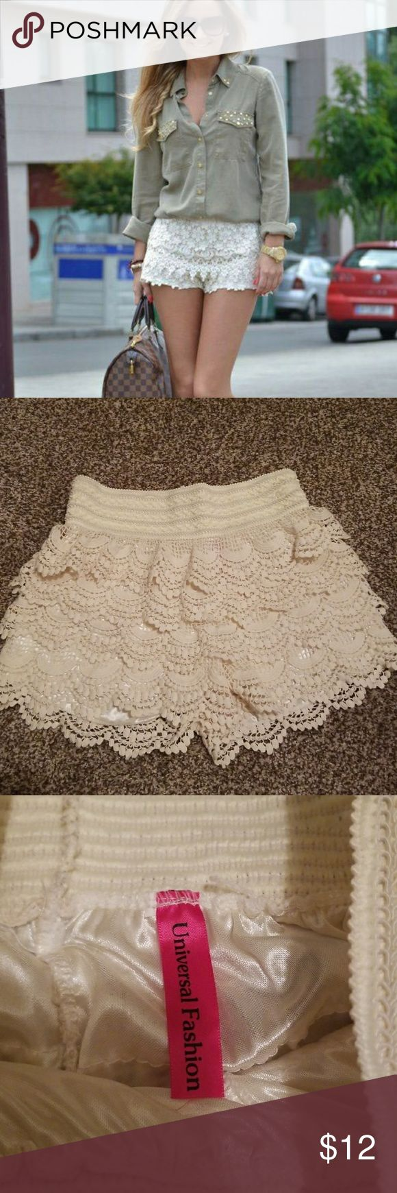 CREAM LACE SHORTS SUPER CUTE SIZE SMALL CREAM LACE SHORTS IN GREAT CONDITION Shorts