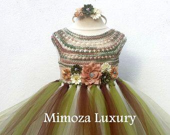 Verde oliva militar flor chica vestido de caqui por MimozaLuxury