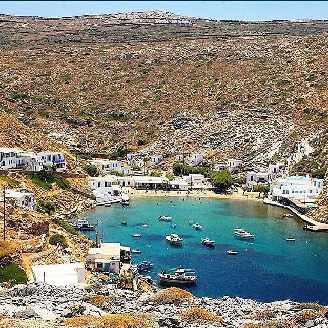 The Wonderful fishing village of Cheronissos , at Sifnos island (Σίφνος). Enjoy your fresh meal at the taverns on the beach close to the lovely sea away from the crowds ! Very picturesque bay with a wild natural beauty .