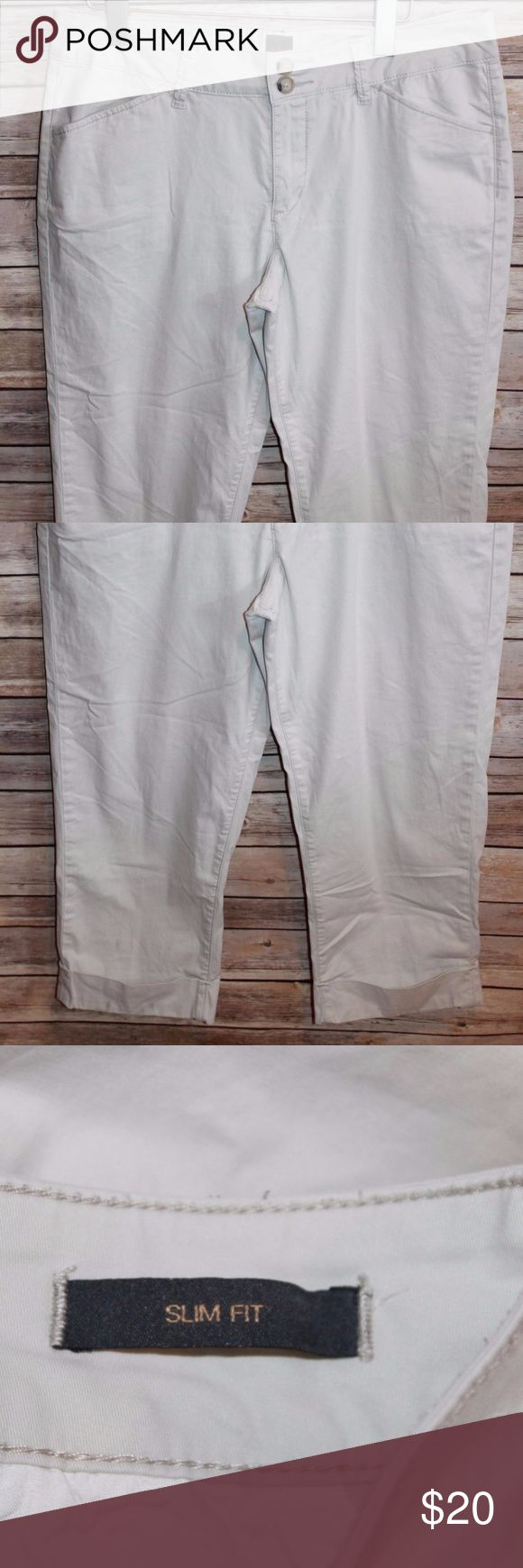 "JAG Slim Fit Khaki Capri Tan Beige Size 16 HW618 JAG Slim Fit Capri Pants  Women's Size: 16 2 Front Pockets 2 Back Pockets  Belt Loops  97% Cotton 3% Spandex  Measurements were taken with garment laying flat and are approximate:  Rise: 10 1/2""  Waist: 34""  Inseam: 23"" Jag Jeans Pants Capris"