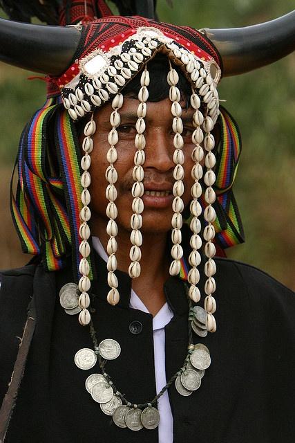 India   Bison Horn Maria tribal people at Khuriapada village.   © Walter Callens