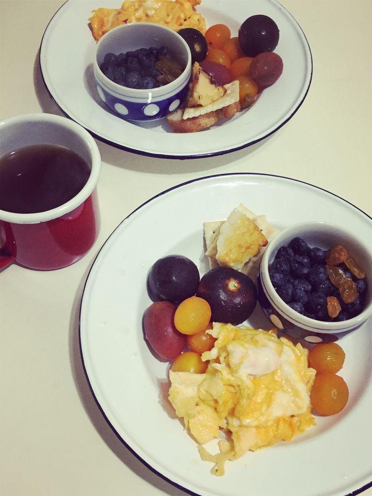 濃厚起司搭配蕃茄租合,果乾與炒蛋搭配起來更美味