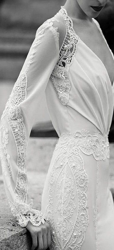 details ♥✤ | Keep the Glamour | BeStayBeautiful  - i could never pull this off but its very classy and pretty