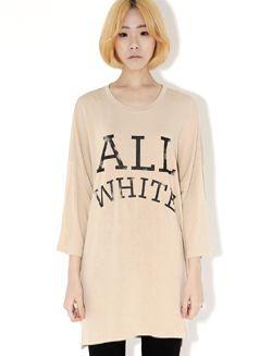 Today's Hot Pick :英字ロゴ入りカジュアル8分丈Tシャツ【BLUEPOPS】 http://fashionstylep.com/SFSELFAA0005736/bluepopsjp/out フロントの大きな英字ロゴがキュート☆ カジュアルな8分丈Tシャツです。 ゆったりとしたデザインなので着心地も楽チン♪ ロング丈がこなれ感を演出します。 スキニーパンツやレギンスと合わせてスタイルアップ!! フリーサイズです。 身長によって着丈感が異なりますので下記の詳細サイズを参考にしてください。 ◆3色: ベージュ/アイボリー/ブラック