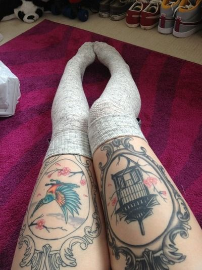 I love these tattoos! Defiantly want some frame tattoos on my thighs.